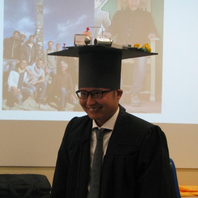Dr. Weiwu Li Doctorate Hatting